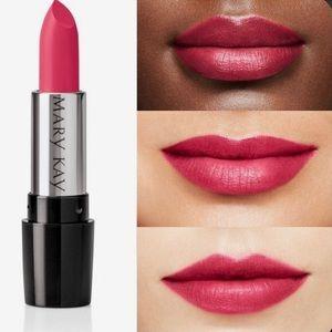 Mary Kay Gel Semi-Matte Lipstick Powerful Pink